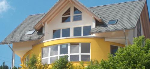 Mehrfamilienwohnhaus 1